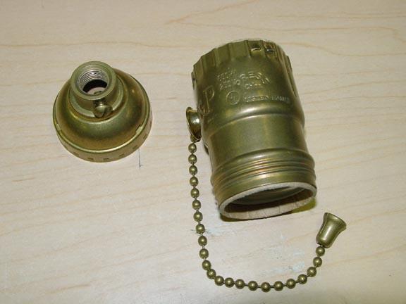 brass deluxe pull chain uno threaded light socket for bridge lamps. Black Bedroom Furniture Sets. Home Design Ideas